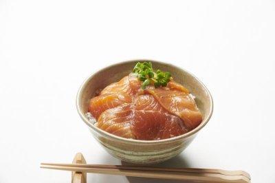画像2: 【家食べ用】 サーモン漬け丼満足3袋セット